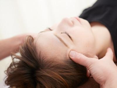 頭痛施術画像 (2).jpg