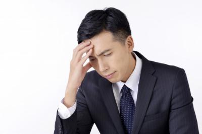 頭痛男性画像.jpg
