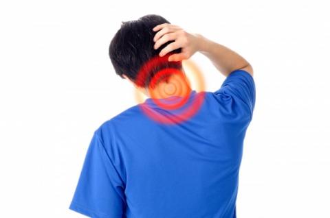 男性首痛画像.jpg