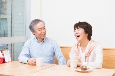 笑顔の中年夫婦2[1].jpg