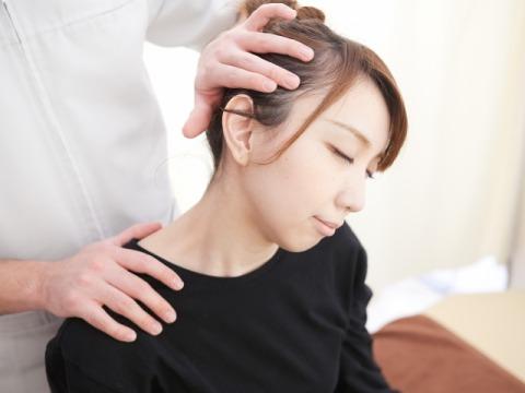 首痛施術画像2.jpg